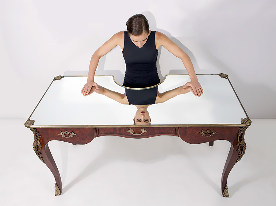 Narcissus Table